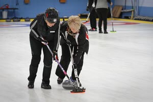 ladies curling